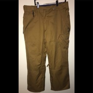 686 Dickies Snowboard Pants! Size Large